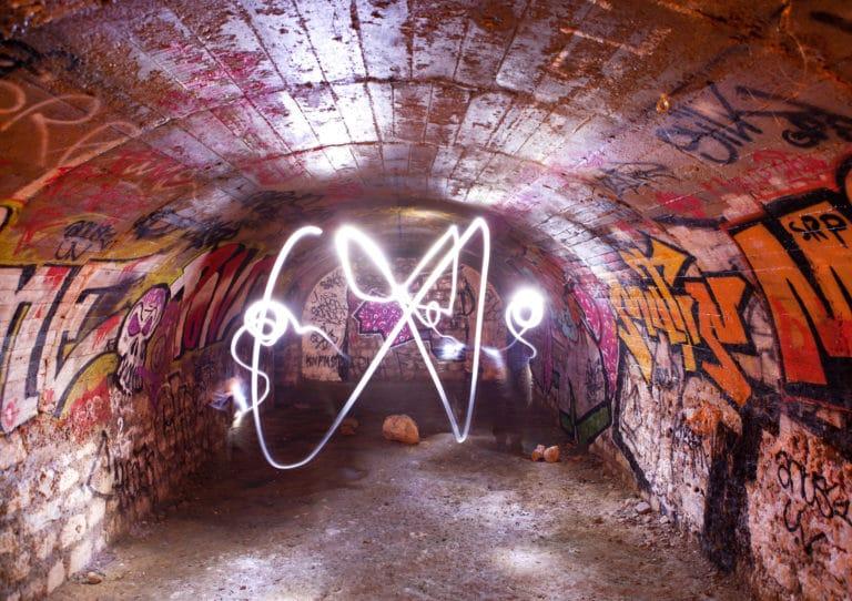 catacombes Paris voute salle PTT underground light painting
