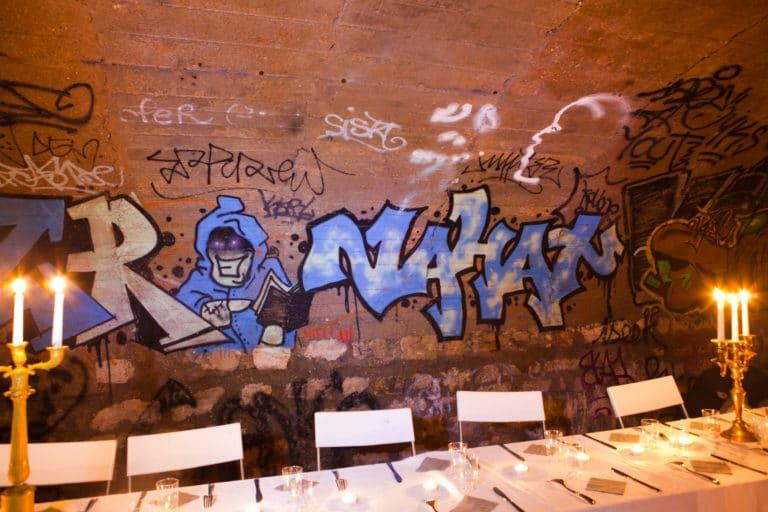 diner dans les catacombes à Paris agence WATO