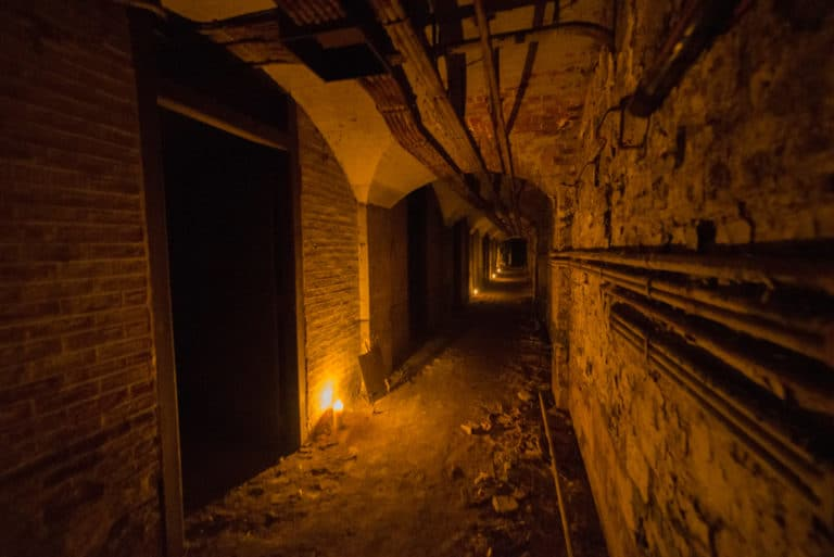 tunnel souterrain Chateau-Rothschild-abandon-urbex-exploration-urbaine-insolite-interdit-Boulogne-Billancourt-soirée-WATO-The-Ghost-Society-agence-wato-we-are-the-oracle-evenementiel-events