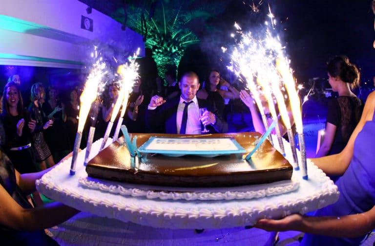 gateau anniversaire et fontaines d argent traiteur cannes villa oxygene vallauris evenementiel anniversaire