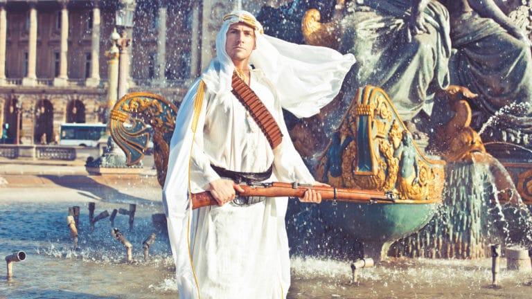Foulques-Jubert-prince-arabe-fusil-place-de-la-concorde-fontaines-en-eau-Paris-France-insolite-teaser-video-le-serment-dalcazar-agence-wato-we-are-the-oracle-evenementiel-events