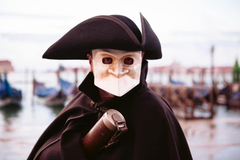 casanova acteurs costumes masques venise place saint marc italie gondoles san giorgio insolite tournage teaser video venise sous paris agence wato we are the oracle