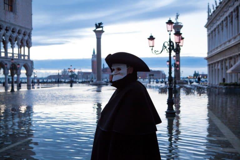 masque casanova acteurs costumes masques venise place saint marc italie gondoles san giorgio insolite tournage teaser video venise sous paris agence wato
