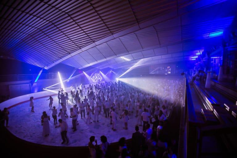 spots-scénogaphie-soirée-dansante-glace-patinoire-pailleron-espace-pailleron-paris-france-soiree-grand-public-underwater-3-III-agence-wato-we-are-the-oracle-evenementiel-event
