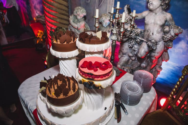 birthday cake gateaux anniversaire traiteur food drinks loft paolo calia les frigos agence wato we are the oracle evenementiel events