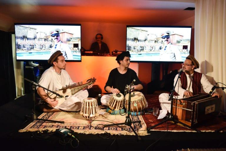 musique traditionnelle oriental mange debout tapis loft piscine paris 15 loft ps one paris france soiree de lancement de produit serie kaboul kitchen saison 3 wato event
