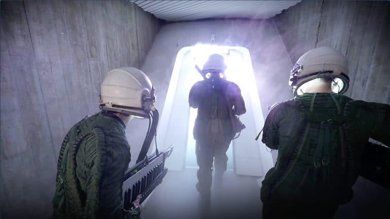 ovni-alien-cosmonautes-keytar-casque-siege-du-parti-commniste-francais-paris-france-joachim-garraud-teaser-zemixx-600-agence-wato-we-are-the-oracle-evenementiel-event