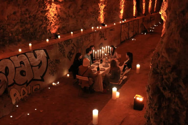 diner-aux-chandelles-bougies-ancien-bunker-nazi-urbex-insolite-inedit-messy-nessy-chic-dejeuner-dans-un-bunker-agence-wato-we-are-the-oracle-events