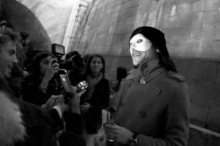 tournage masque micro zoom enregistreur externe panneau led ile de la cité paris bords de seine teaser vidéo teaser La Conspiration agence wato we are the oracle evenementiel event
