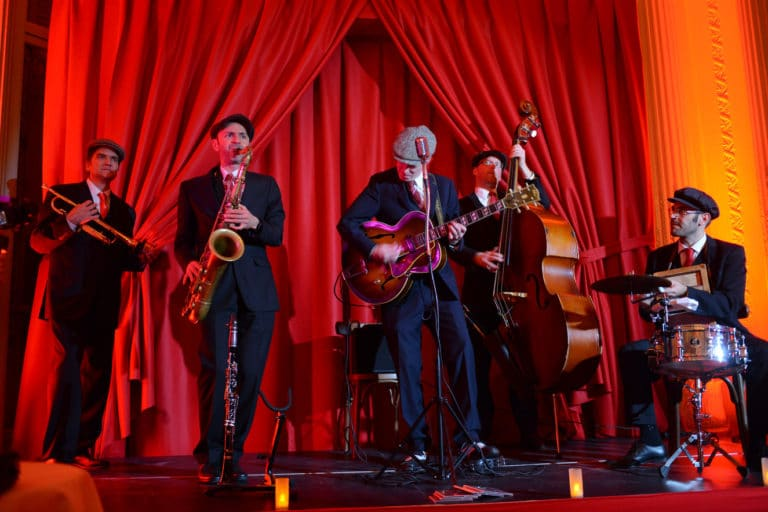 groupe de musique jazz swing scenographie sur mesure hotel particulier paris soiree corporate wall street Raymond James agence wato we are the oracle