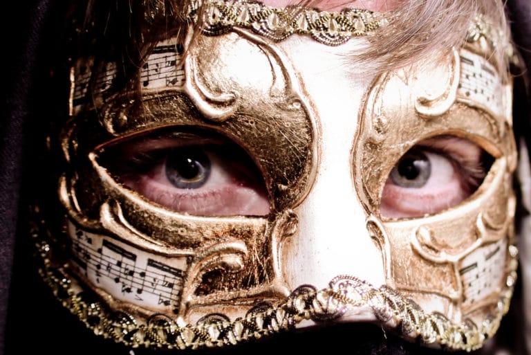 Foulques Jubert masque Agence WATO Paris