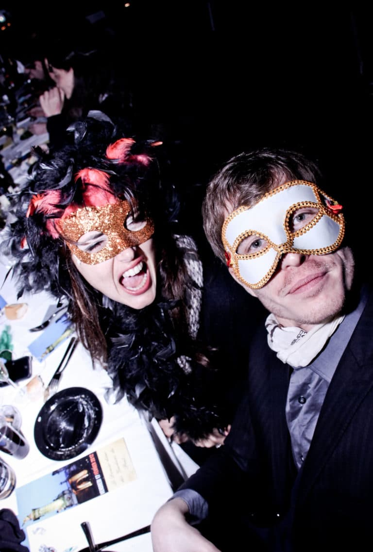 invites masques soiree dans un squatt arty paris