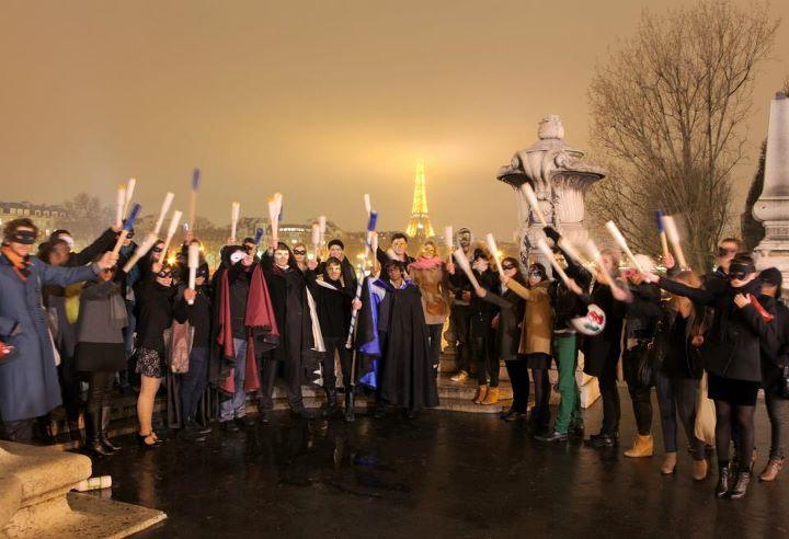 wato-agence-evenementielle-paris-le-dernier-diner-des-gardiens-du-pont-pont-alexandre-3-debut-procession