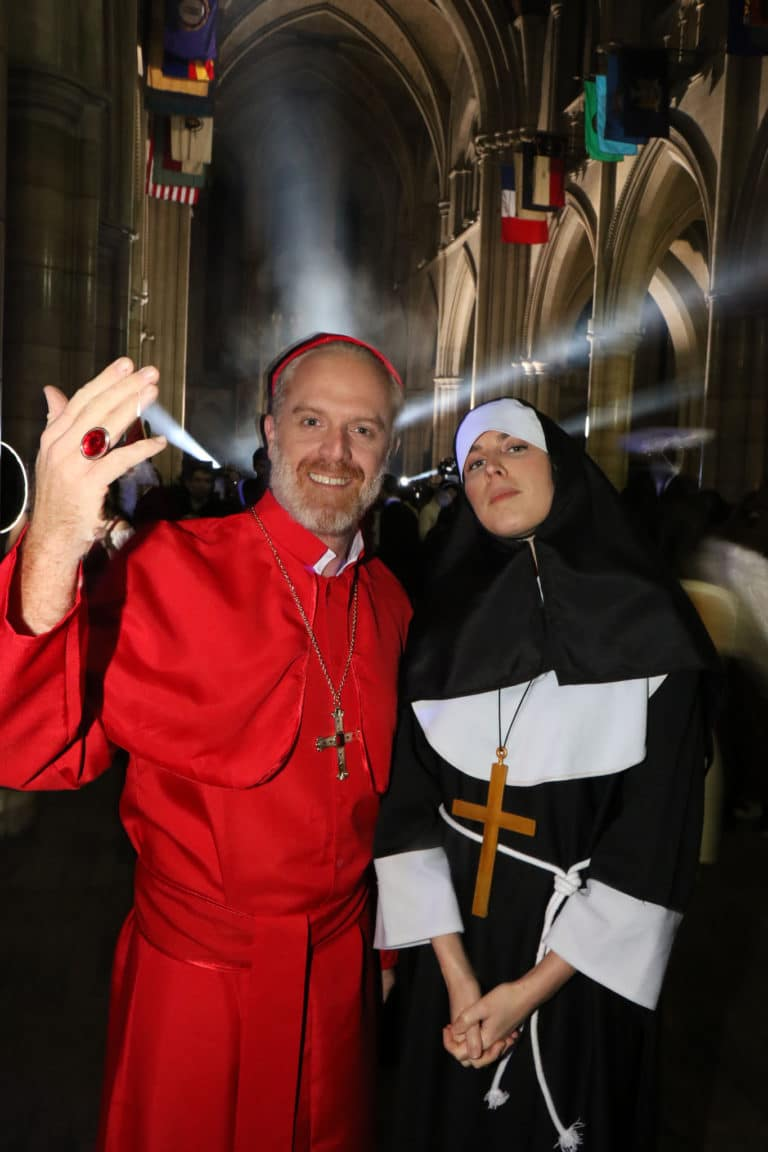 cardinal eveque none happening soiree costumee dans une eglise the last monastery cathedrale americaine de paris 5 ans wato agence wato we are the oracle evenementiel events