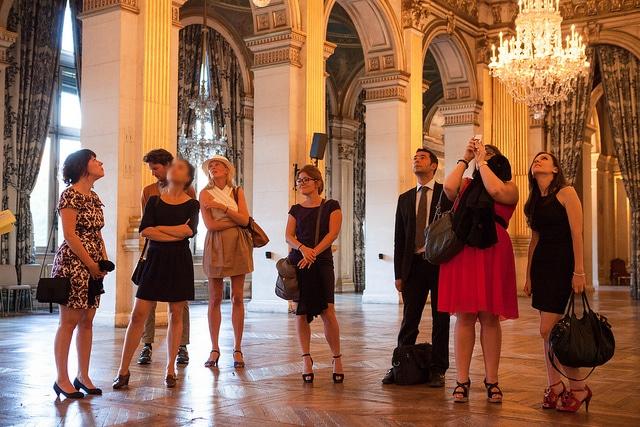 découverte visite privée des salons de l Hotel de ville de Paris France diner volants My Little Paris x Mairie de Paris agence wato we are the oracle evenementiel events