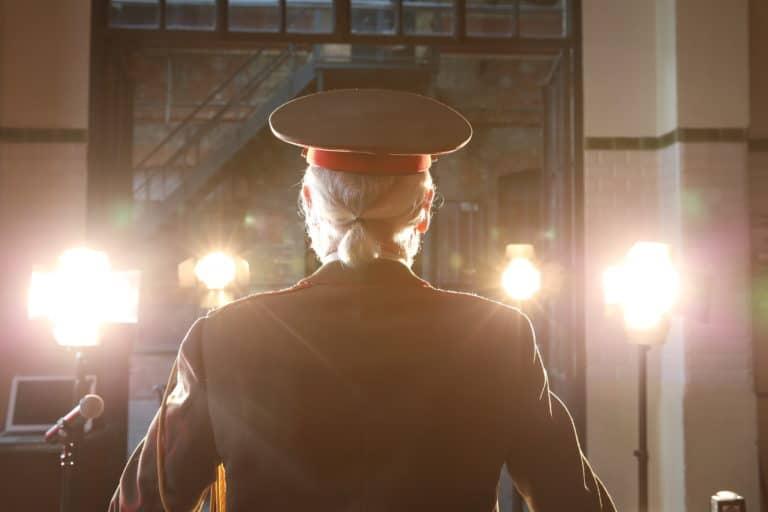 Eric de Bournet acteurs salle des alambiques Espace Claquessin ancienne usine du XIX malakoff teaser production de video the soviet factory agence wato we are the oracle evenementiel events