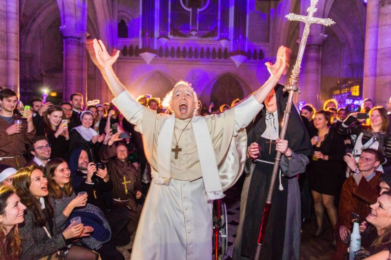 Foulque jubert costume pape none happening soiree costumee dans une eglise the last monastery cathedrale americaine de paris 5 ans wato agence wato we are the oracle evenementiel events