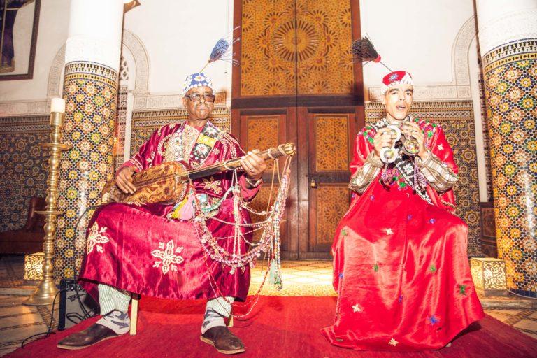 Musiciens-traditionnels-palais-soleiman-organisation-seminaire-a-marrakech-wato