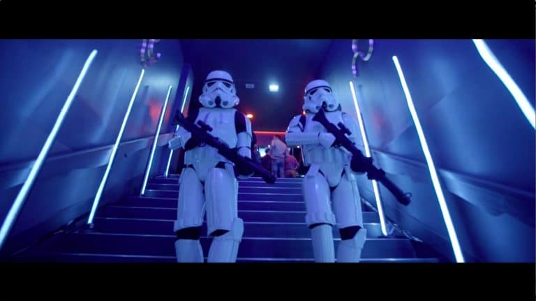 stormtroopers armes blasters choregraphie danse star wars paris theme dark vador icdc agence wato we are the oracle evenementielle events