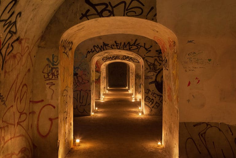 couloir graffitis Abri Lefebvre abri anti atomique paris 15 e arrondissement France soirée exceptionnelle Victorious Shelter agence wato we are the oracle evenementiel event
