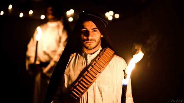 acteurs bougies torche sable grotte caverne secrete insolite lawrence d arabie France insolite teaser video le serment d'alcazar agence wato we are the oracle evenementiel events