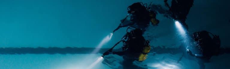 agence-wato-evenementielle-paris-teaser-underwater-plongeur-exploration