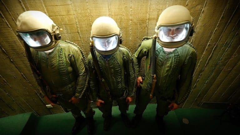 astronautes cosmonautes casque siege du parti commniste francais paris france joachim garraud teaser zemixx 600 agence wato we are the oracle evenementiel events