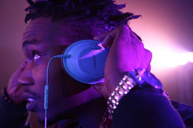 casque bose SoundTrue bleu ancienne gare frigorifique bercy france lancement casque bose soundtrue teaser soirée live in the cube bose agence wato we are the oracle evenementiel events