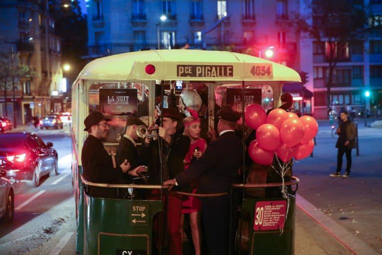 concert jazz live bus de collection ancien bus des années 30 insolite transport ancien paris france soirée corporate voyage prive agence wato we are the oracle evenementiel events