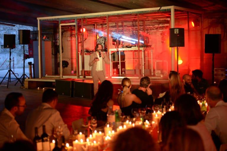 concert-privé-Magazine-Lui-soirée-coporate-diner-aux-chandelles-exceptionnel-port-morland-canal-saint-martin-seine-paris-france-protection-civile-agence-wato-we-are-the-oracle-evenementiel