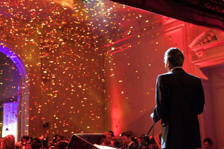 confettits hotel particulier paris hotel Salomon de Rothchild paris 8 france padam padam soirée des années 20 agence evenementielle wato we are the oracle events