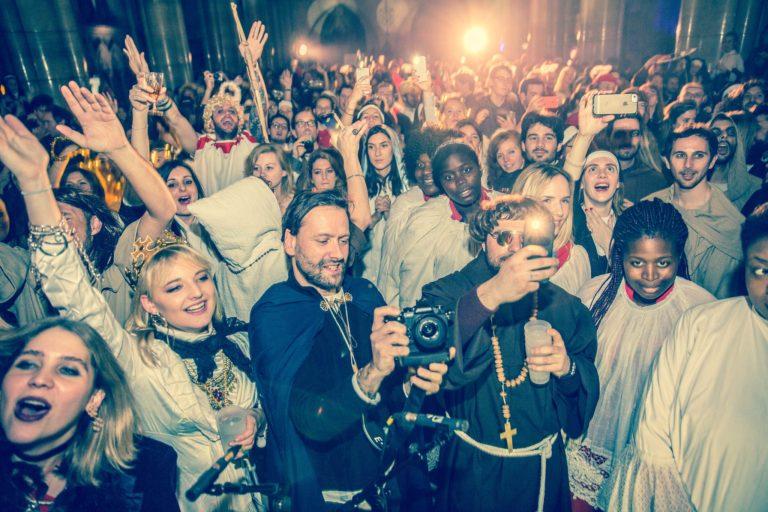 dancefloor evenement grand public soiree costumee dans une eglise the last monastery cathedrale americaine de paris 5 ans wato agence wato we are the oracle evenementiel events