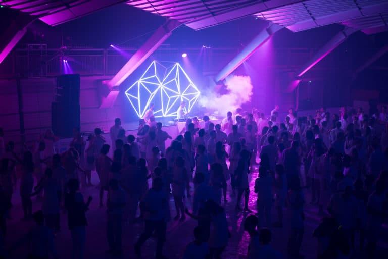 dancefloor soirée dansante glace scénogaphie patinoire pailleron espace pailleron paris france soiree grand public underwater 3 III agence wato we are the oracle evenementiel event