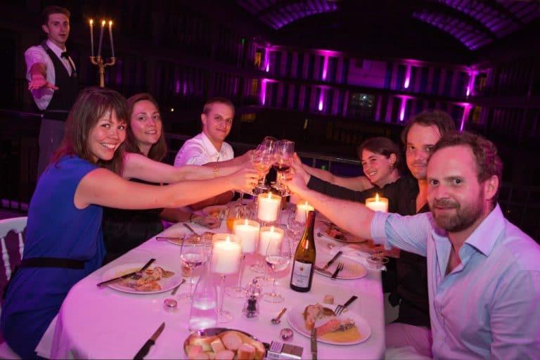 diner aux chandelles Piscine Pailleron Espace Sportif Pailleron Paris France diner volants My Little Paris x Mairie de Paris agence wato we are the oracle evnementiel events