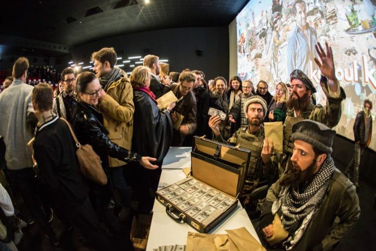 distribution de faux billets paris cinema pathe beaugrenelle lancement de produit serie kaboul kitchen saison 3 canal + agence wato we are the oracle evenementiel events