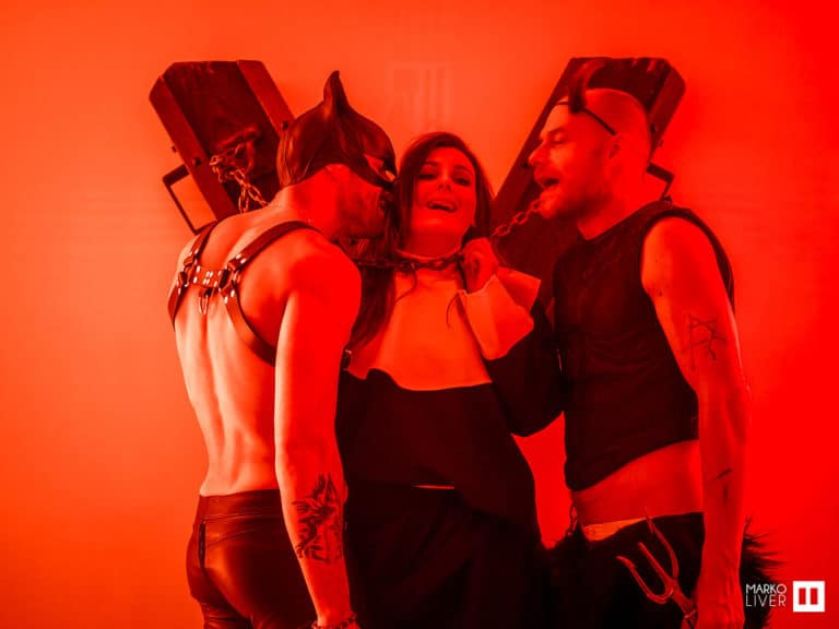 enfer diable parcours theatral hell soiree costumee dans une eglise the last monastery cathedrale americaine de paris 5 ans wato agence wato we are the oracle evenementiel events