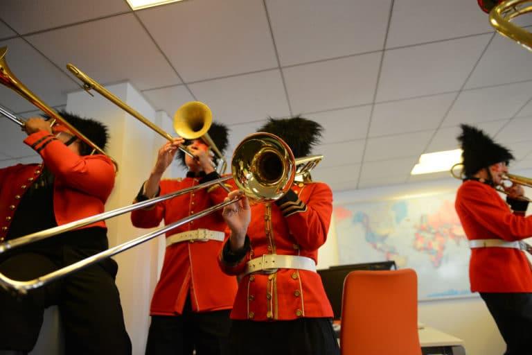 fanfare trombone theme cirque bureaux bva group open space musique paris france evenement sur mesure teaser bva circus agence wato we are the oracle evenementiel events