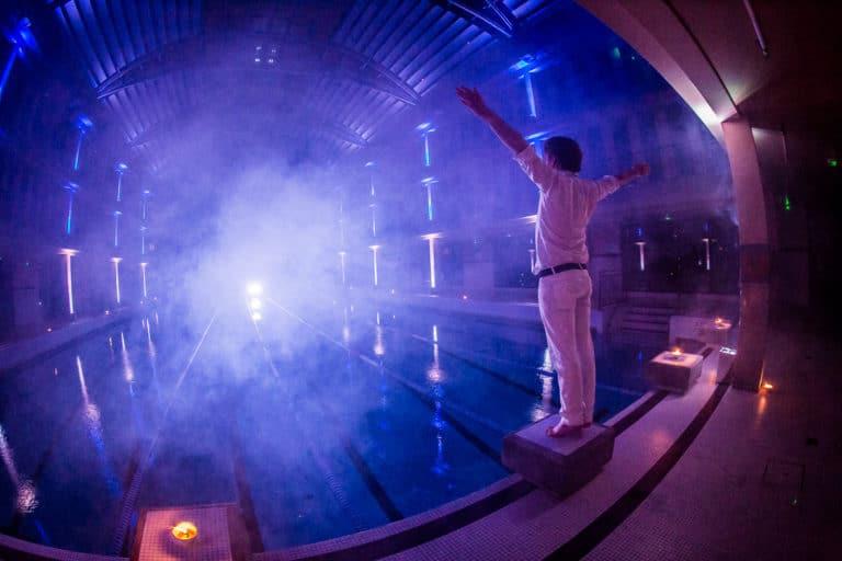 foulques jubert fumée plongeoir eclairage événementiel piscine pailleron espace sportif pailleron teaser underwater 3 agence wato we are the oracle evenementiel events