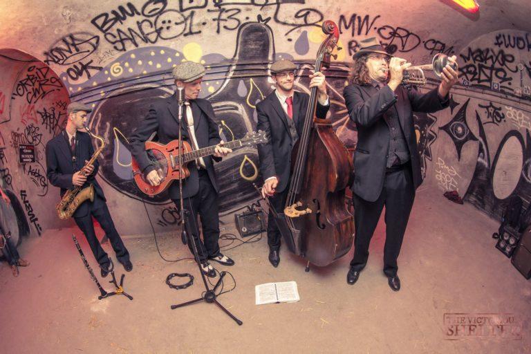 groupe de musique jazz SwinginParis graffitis Abri Lefebvre abri anti atomique paris 15 e arrondissement France Victorious Shelter agence wato we are the oracle evenementiel events