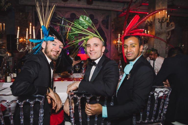 invités coiffes sur mesure diner exceptionnel soiree exceptionnelle loft baroque paolo calia anniversaire milliardaire indien agence wato we are the oracle evenementiel event
