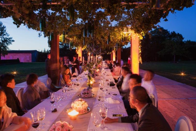 invités journalistes chinois table decor vegétal art de la table canopée castel dîner de prestige chateau Barreyres haut-médoc france groupe castelagence wato we are the oracle evenementiel event