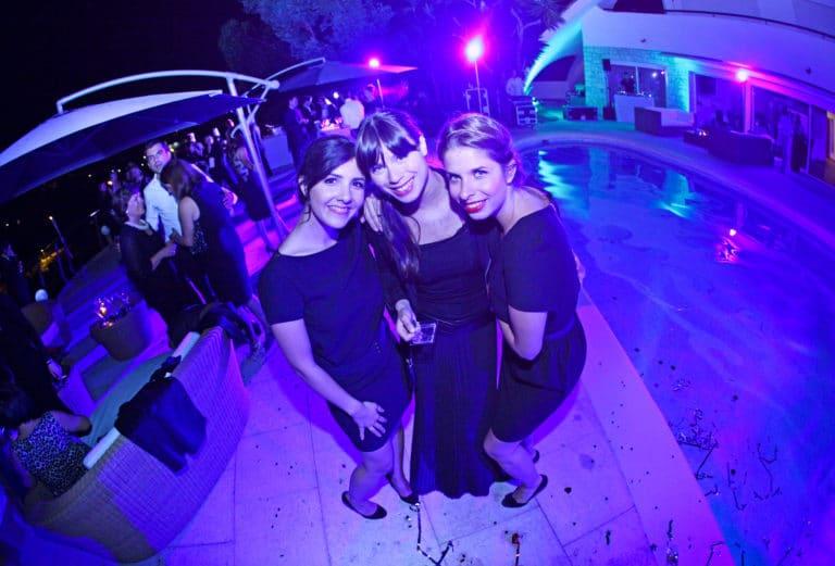invités piscine cocktail soirée insolite seminaire immersif seminaire exceptionnel Villa Oxygene Vallauris villa piscine Cannes toit arrondi Nuxe agence wato we are the oracle evenementiel events