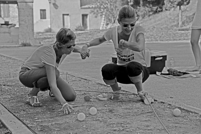 jeux à l aveugle yeux bandés fort ile sainte marguerite team buidings jeux de piste seminaire immersif france seminaire exceptionnel a Cannes Nuxe agence wato we are the oracle evenementiel events