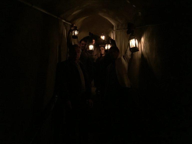 lanternes urbex exploration dejeuner insolite dans les catacombes carriere de calcaire merci alfred applicaiton grood paris france agence wato we are the oracle evenementiel event