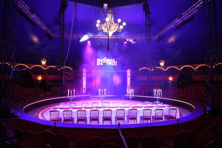 diner chic dans un cirque bormanna paris Agence WATO evenementiel spectaculaire paris