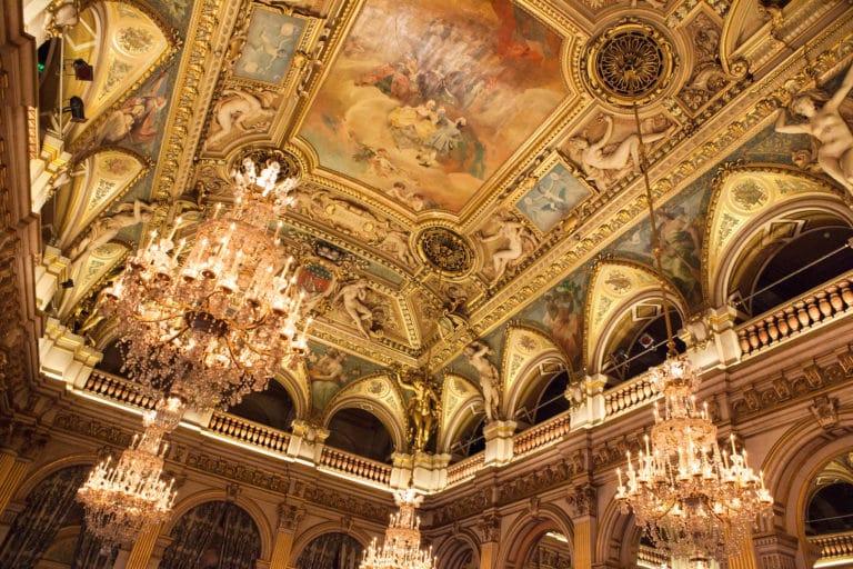 lustre dorure tableaux luxe salons Hotel de ville de Paris France diner volants My Little Paris x Mairie de Paris agence wato we are the oracle evenementiel events