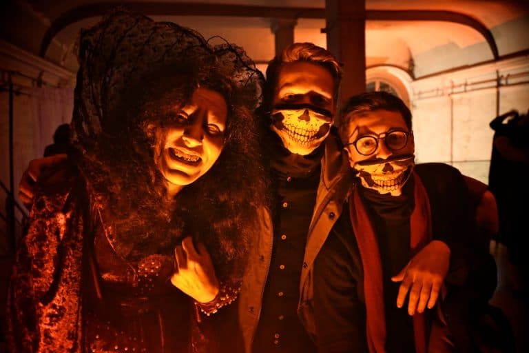 masque squellette zombies theme paranormal cafe a ancien couvent des recollets evenement corporate amazon thriller party agence wato we are the oracle evenementiel events