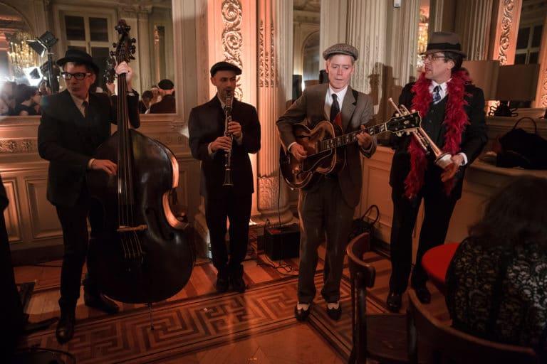 musiciens swing hotel particulier paris hotel Salomon de Rothchild paris 8 france padam padam soirée des années 20 agence evenementielle wato we are the oracle events
