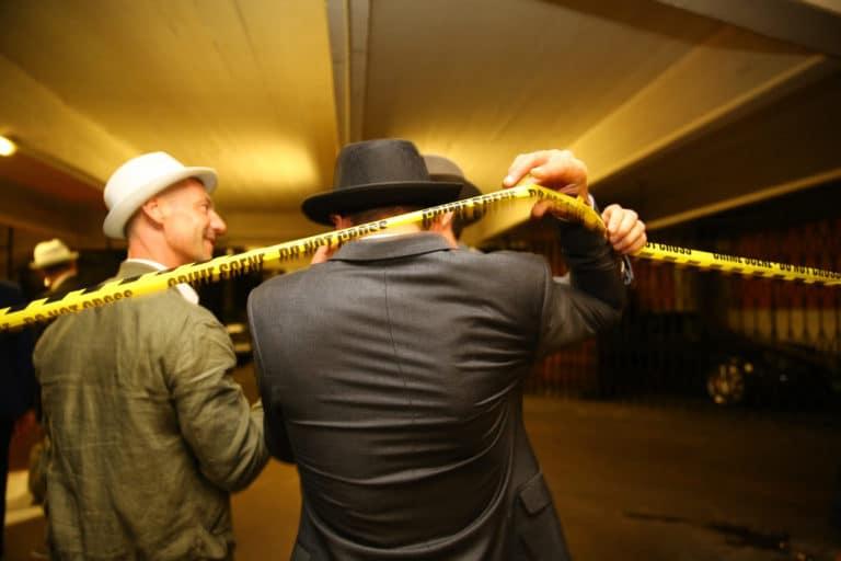 paris-wato-evenementiel-soirée-voyage-privé-la-nuit-des-canailles-crime-scene-chapeau1