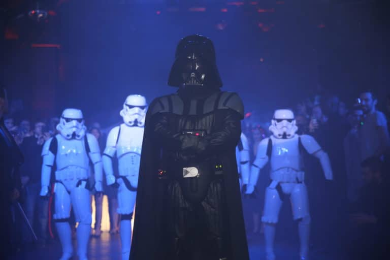 dark vador stormtroopers choregraphie danse star wars paris theme dark vador icdc agence wato we are the oracle evenementielle events